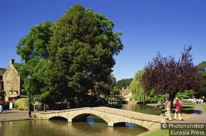 England,Gloustershire,Cotswolds,Bourton-on-the-Water.