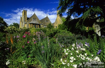 Europe, England, Gloucestershire, Cotswolds, Chipping Campden, Hidcote Manor Garden.
