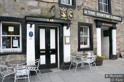 Un pub sur High street.