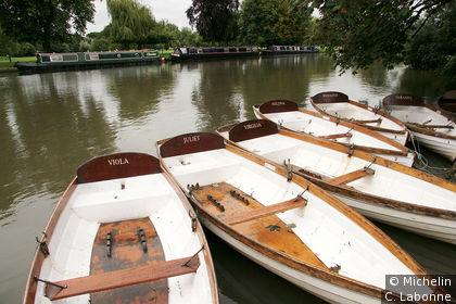 Barques sur les berges du Avon