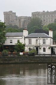 La Thames et le château de Windsor en fond