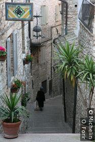 Dans une ruelle près de l'église Santa Chiara.
