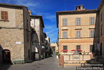 the old town of Bolsena. Bolsena is a town and comune of Italy, in the province of Viterbo in northern Lazio on the eastern shore of Lake Bolsena.