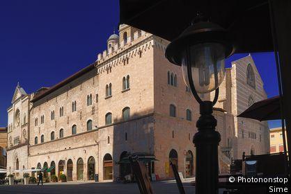 Italie, Ombrie, Foligno - Cathedral in Piazza del Popolo