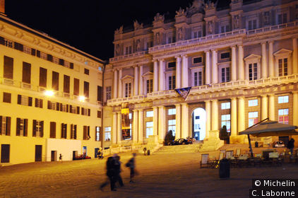 Le Palazzo Ducale by night