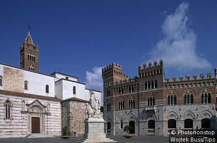 Italy, Tuscany, Grosseto,Piazza Dante,Cathedral Duomo.