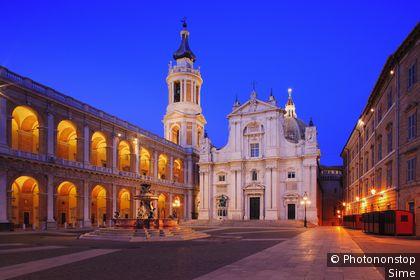 Italie, Marches, Loreto, Zone Méditerranéenne, Province de Ancona - Holy House Sanctuary, Madonna square