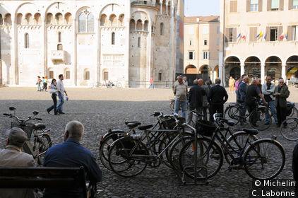 Sur la place du Duomo