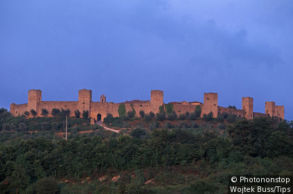 Italy, Tuscany, San Gimignano, Monteriggioni