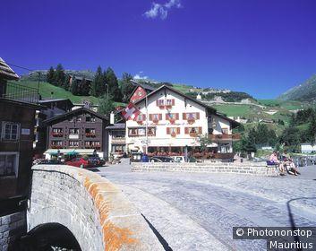 Schweiz, Uri, Andermatt, Ortsansicht, Hotel