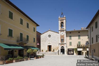 Italy, Tuscany, Val D'Orcia, San Quirico
