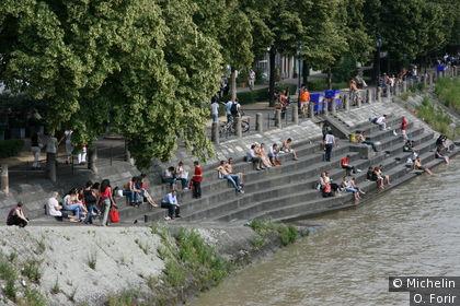 Sur Oberer Rheinweg.