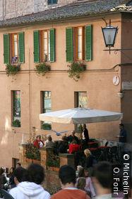 Dans la rue de Monna Agnese.