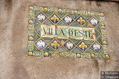 Détail de l'entrée de la Villa d'Este