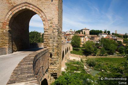 Italie, Marches, Tolentino, Zone Méditerranéenne, Province de Macerata - Devil bridge