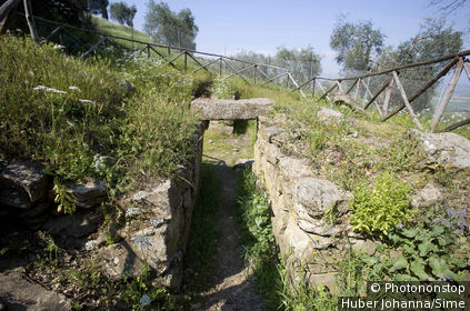 Italy, Tuscany, Vetulonia, etruscan tomb