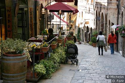 Rue de la Porte all'Arco.