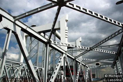 Armature d'un pont d'entrée sur la ville