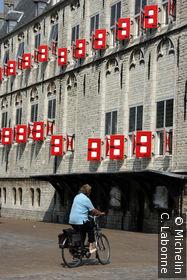 Façade latérale de Stadhuis
