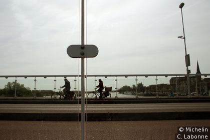 Sur le pont mobile
