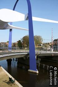 Pont mobile au sud de la ville, sur Willems kade