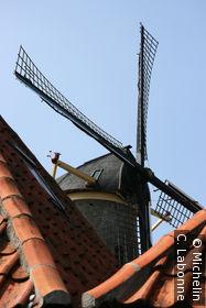 Moulin dans la ville