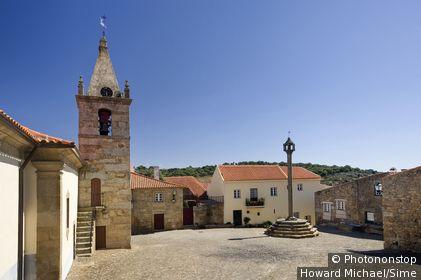 Portugal, Guarda, Beira, Beira Alta - Castelo Mendo village square