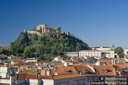 Portugal, Leiria, Leiria, Estremadura, Costa da Prata - Town and castle