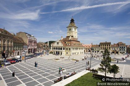 Romania, Eastern Europe, Brasov, Trumpeter's Tower in Piata Sfatului.