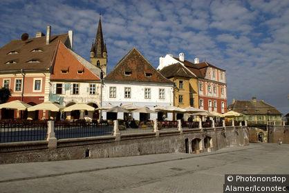Roumanie, Transylvanie, Sibiu, place Piata Mica