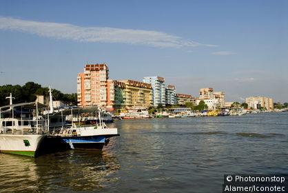 Roumanie, Dobroudja, Tulcea, port sur le Danube