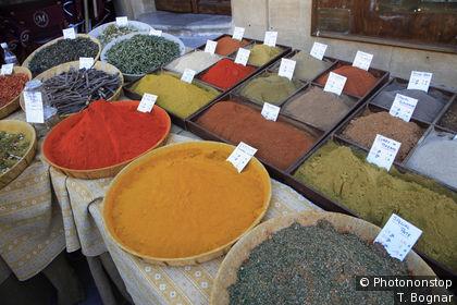 Marché  aux épices à Aix en Provence