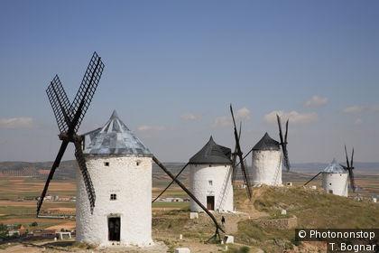 Moulins à vent dan la Mancha