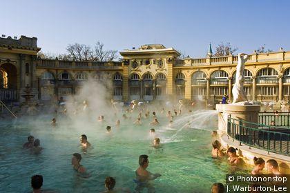 Les bais chauds de Szechenyi
