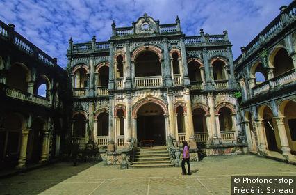 Vietnam, Région Nord-Ouest, Bac Ha, maison époque coloniale française