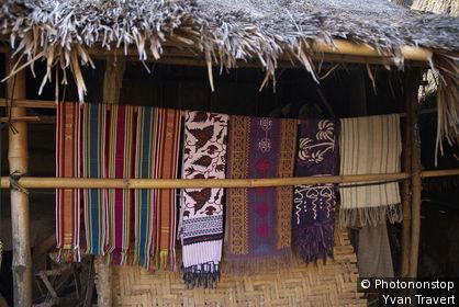 Indonésie, Lombok, environs de Kuta, Sade, village sasak
