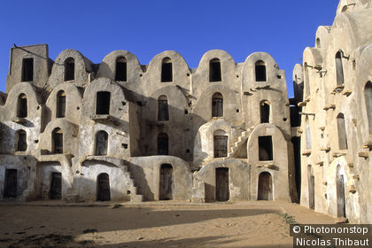Tunisie, gouvernorat de Tataouine, ghorfas de Ksar Ezzahra