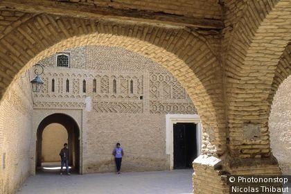Tunisie, Tozeur, architecture saharienne dans le quartier des Ouled el Hadef