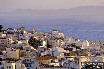 Maroc, Tanger, la medina , le detroit de Gibraltar et les cotes espagnoles