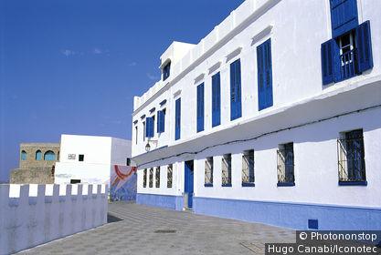 Maroc, Asilah, façade en front de mer