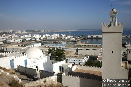 Maroc, Agadir, vue generale, en second plan le port de peche et le quartier de la marina