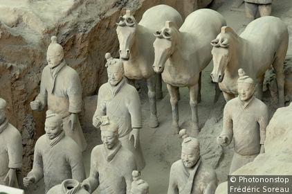 Chine du Nord, province du Shaanxi, Xi'an, armée de terre cuite, vue plongeante sur statues