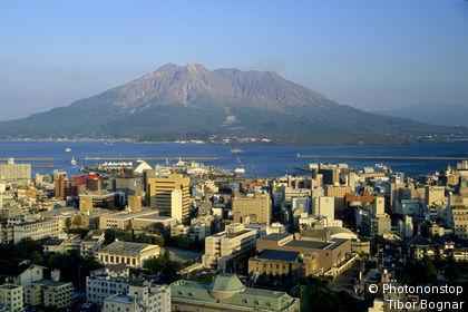 IN*Japon, Kyushu, Kagoshima, volcan Sakurajima en arrière-plan