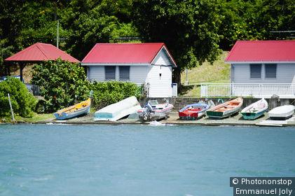 Martinique, Le Marin, maisons en bord de mer