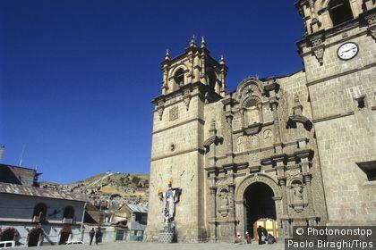 Peru, Puno, Plaza de Armas Cathedral