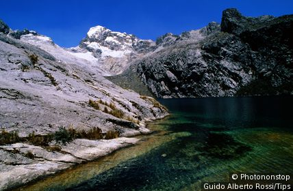 Lago Churuz and mountains, Cordillera Blanca. Huaraz, Ancash, Peru