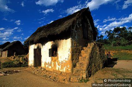 MADAGASCAR, AMBOSITRA, Bétsiléo house in Southern Madagascar