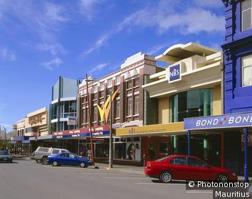Neuseeland, Südinsel, Nelson, Innenstadt, Art Deco-Gebäude New Zealand, South Island, Pazifik, Pazifikinsel, Insel, Stadt, Zentrum, Stadtzentrum, Straße, Gebäude, Geschäfte, Baustil, Architektur, Art Deco