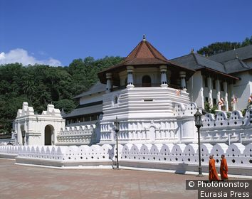 Sri Lanka, Kandy, Temple of theTooth (Sri Dalada Maligawa)