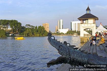 Malaisie, Bornéo, Sarawak, Kuching, rivière Sarawak